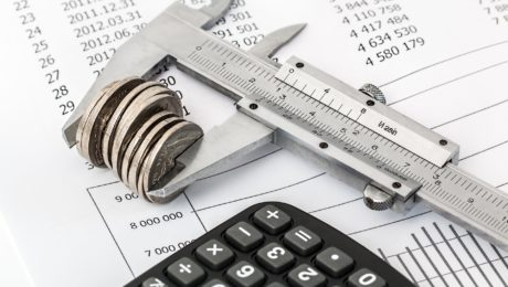 Não há responsabilidade solidária de advogado sobre dívida tributária de cliente, afirma STF